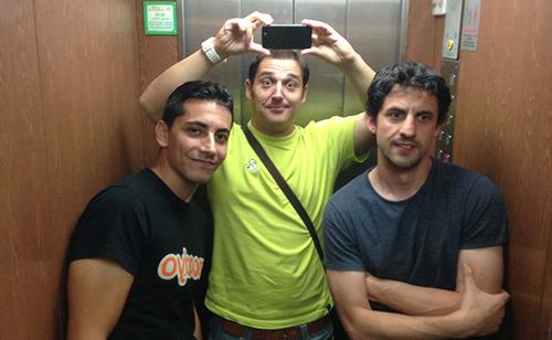 Álex, servidor y Lolo en un ascensor antes del Mola Day 2013