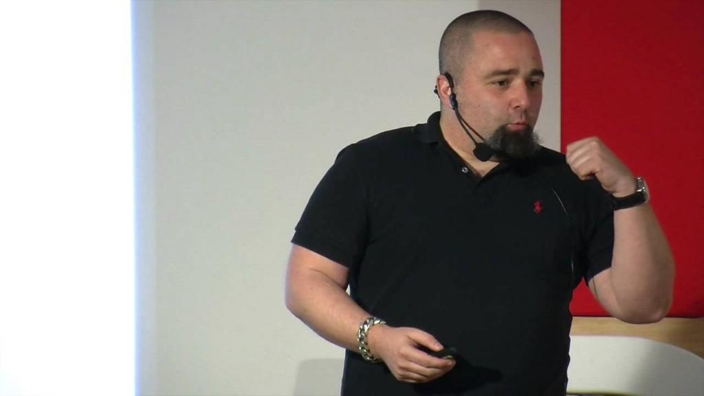 Ícaro Moyano durante su charla en Tedx Burgos(Foto: