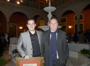 Mi padre conmigo el día en que me dieron el Premio de la Asociación de la Prensa de Sevilla (2013)